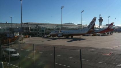 Flughafen München: Die Tour führt direkt durch den Flughafen