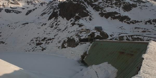 Der im Winter fast leere Grünsee
