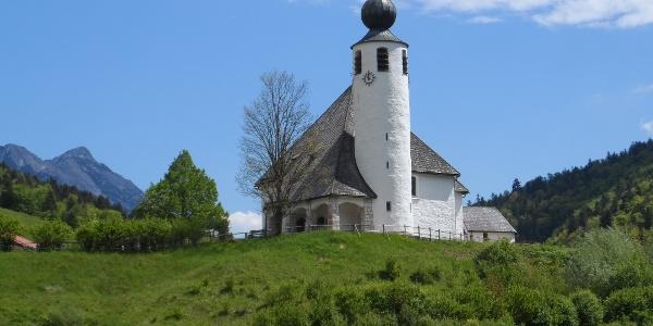 Kirche in Weißbach an der Alpenstraße