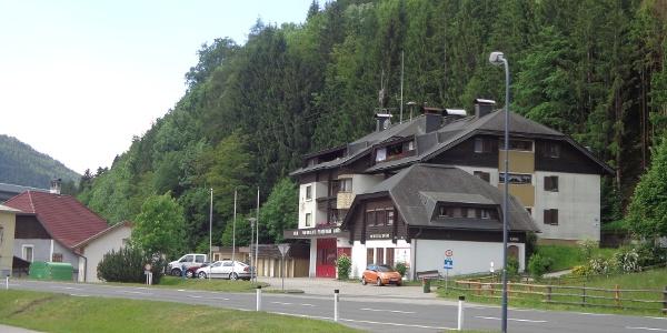 Auf der Römerstraße Richtung Trebesing, Feuerwehrhaus Gmünd
