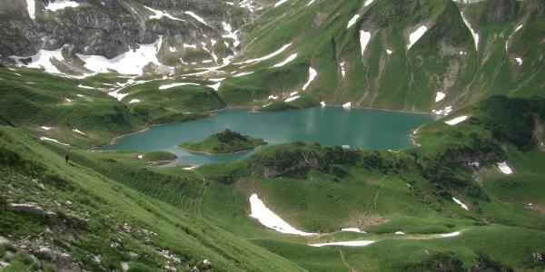 מבט על אגם שרקזה לאחר עונת החורף