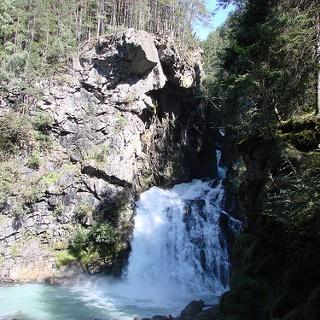 An den Reinbach-Wasserfällen.