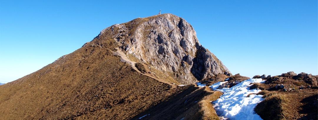 Rückblick zum Gipfel am Sattel auf 2115m