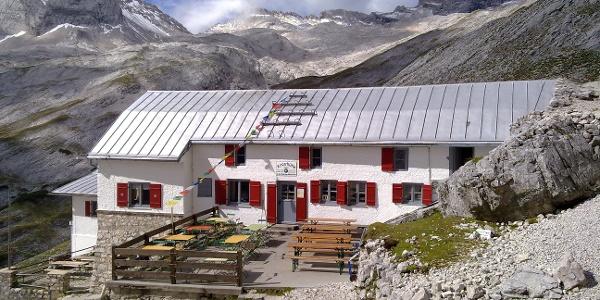 The Knorrhütte (2051m) DAV Section Munich