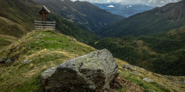Noch 20 Minuten bis zur Feldnerhütte. Blick von der Bratleitenalm ins Gnoppnitztal.