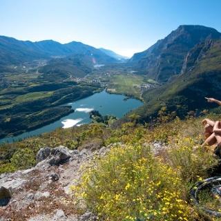 Panorama sul lago di Toblino e la Valle dei Laghi