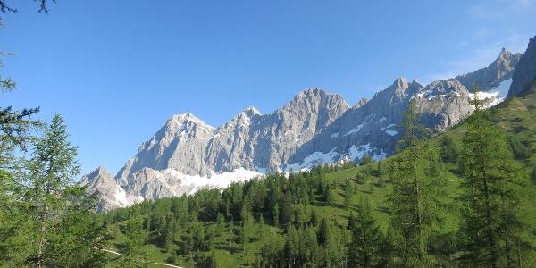 Blick zur Dachstein Südwand