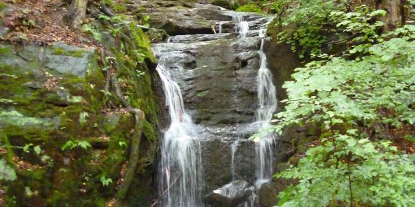 Wasserfall am Aufstieg zur Winkeaussicht