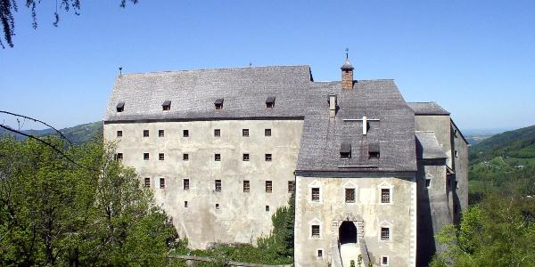 Burg Altpernstein um 800m