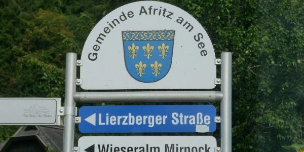 Hinweisschild an der Haupstraße