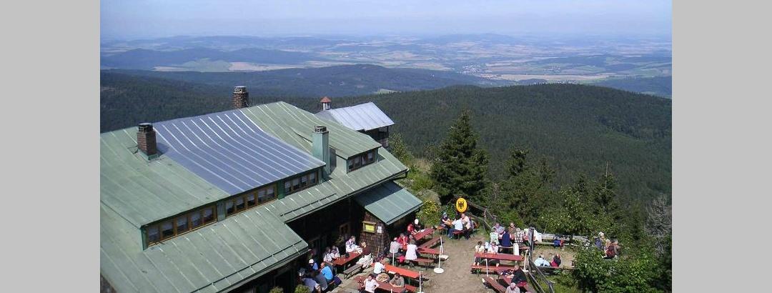 Die Osserhütte ist ein beliebter Treffpunkt für deutsche und tschechische Wanderer.
