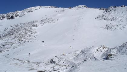 Gipfel des Schareck über dem Mölltaler Gletscher 15cm Neuschnee Aufstiegsspur rechts erkennbar