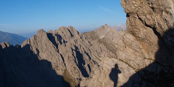 Eigener Schatten, nach der Erlscharte auf ca. 2290m