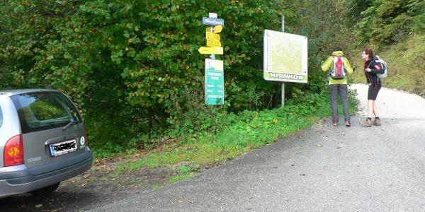 Der Parkplatz beim Eingang ins Wendbachtal