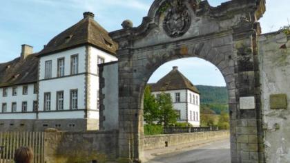 Portal und Wasserschloss Bisperode