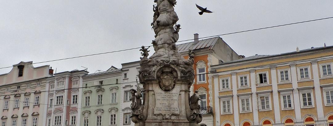 Hauptplatz Linz mit Pestsäule