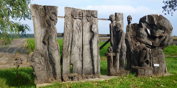 Installationen aus Holz...