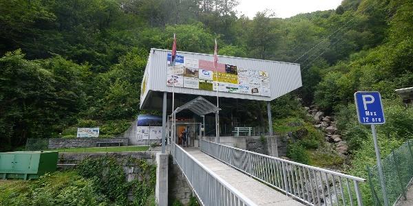 Talstation der Seilbahn Verdasio - Monte Comino