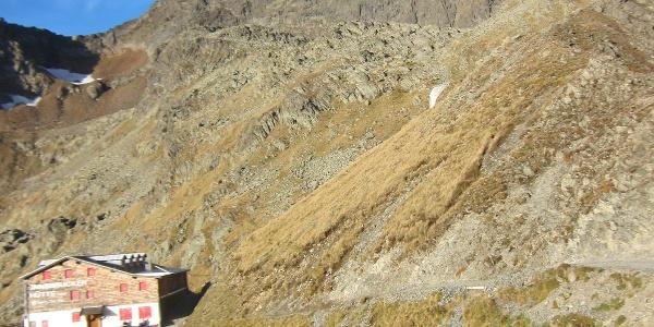 Innsbruckerhütte, der Weiterweg ist bereits gut zu sehen