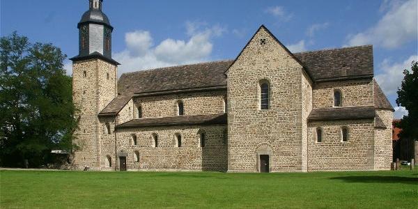 Aussenansicht Klosterkirche Lippoldsberg, Südseite