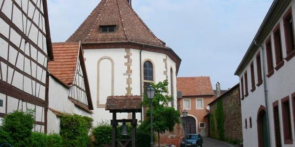 Mitten in der Altstadt von Bad Bergzabern liegt die Bergkirche.