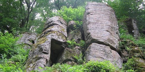Steinerner Schrank