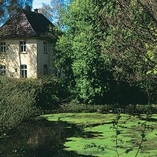 Bei dieser Tour kommen wir an romantischen Gärten vorbei.