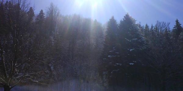 Bei der Wanderung sollten wir die Stärke der Sonne nicht unterschätzen und Sonnencreme mit hohem Lichtschutzfaktor benutzen.
