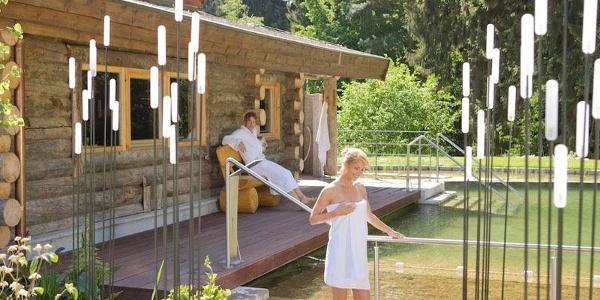 VitaSol Therme: Naturbadeteich im SaunaPark