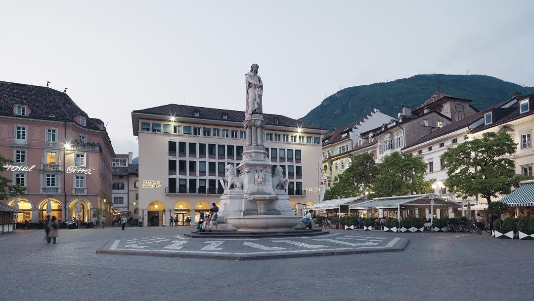 The Waltherplatz in the center of Bolzano.