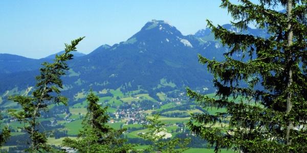 Blick von den Hängen des Aurachköpfls zum Breitenstein