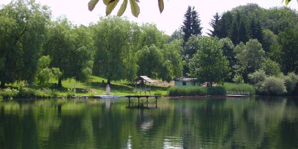 Das Freibad am Karthäuser See.