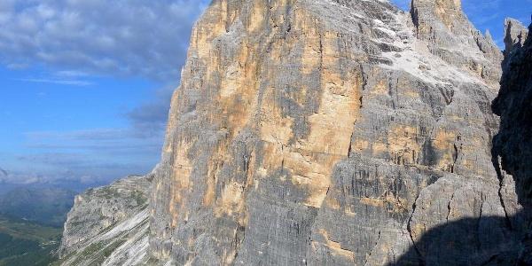 Tofana di Rozes Südwand mit Zustiegsweg