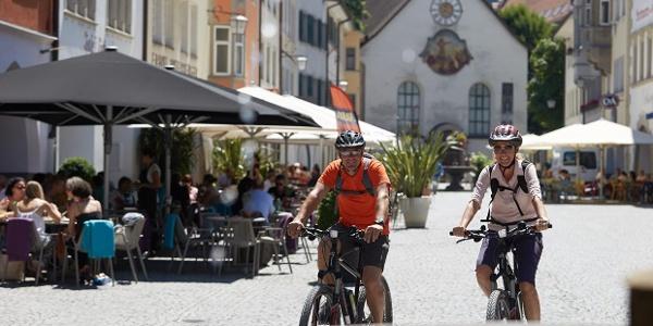Stadterkundung: Für Abwechslung sorgen auch urbane Abstecher, hier auf dem Marktplatz in Feldkirch