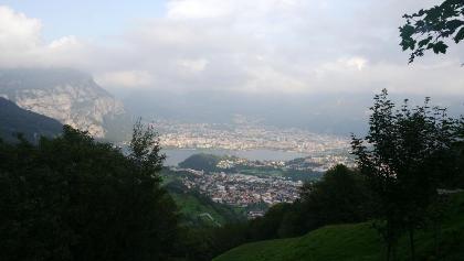 Blick auf Valmedrera und Lecco
