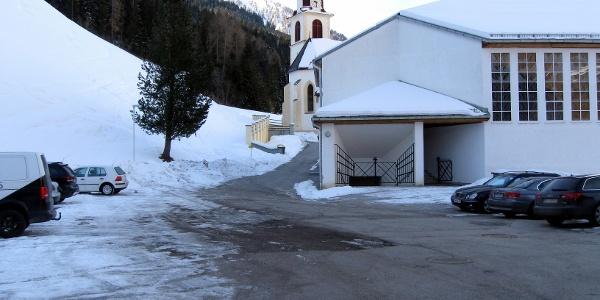 Start am Parkplatz beim Vidum und Kirchenwirt.