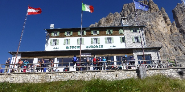 Die Auronzohütte (2320 m)
