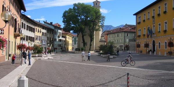 Piazza De Gasperi Borgo Valsugana