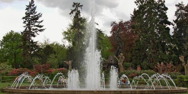 Brunnen vor der Brunnenhalle