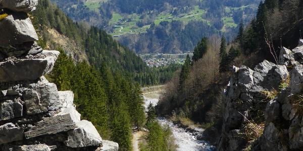 Blick von der Ruine Valkastiel