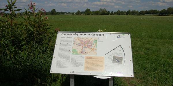 Informationstafel des Panoramaweges Abensberg im Hopfenland Hallertau