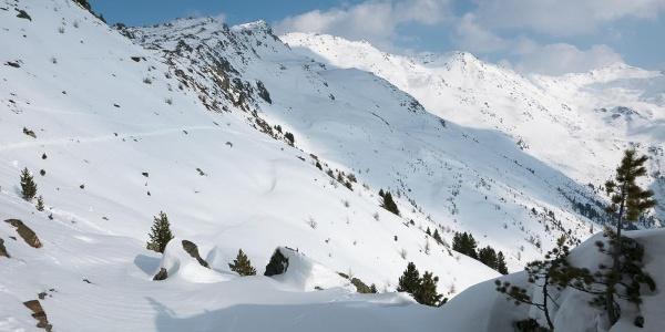 Einstieg zum Weg hinab ins Tal des Mühltaler Baches