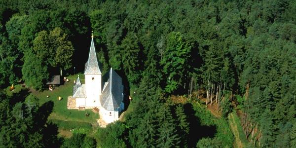 Kirche mit Wunschglocke am Georgiberg
