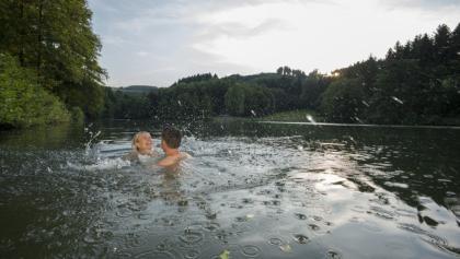 Badespaß im Esmecke Stausee