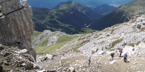 Kurz vor dem Rifugio Torre di Pisa muss ein steiler Aufstieg bewältigt werden