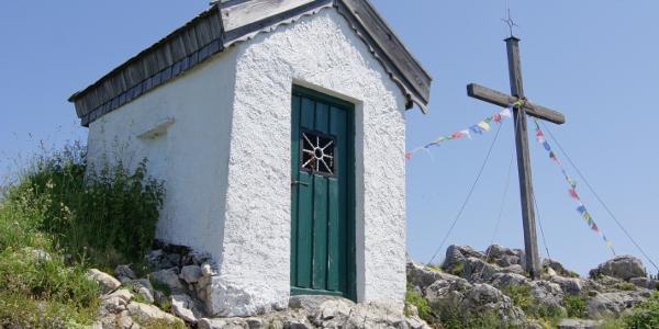Kapelle und Gipfelkreuz