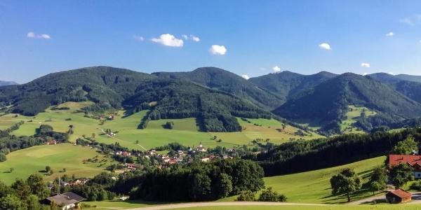 Blick auf das Ökodorf Eschenau (Mostviertel in Niederösterreich)
