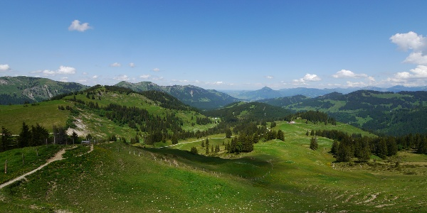 Blick vom Bleicherhorn auf die Höllritzer Alpe