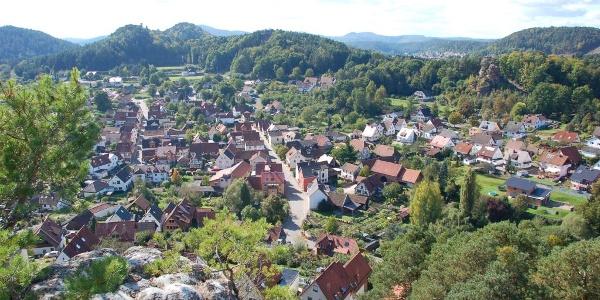 Blick vom Hahnfels auf Erfweiler