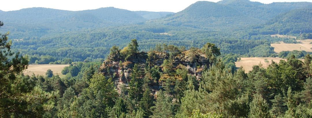 Blickauf den Retschelfelsen vom Eisenbahnfelsen